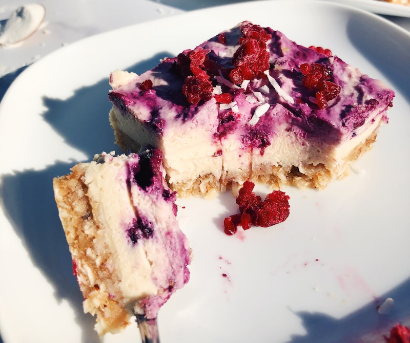 Vegan Mixed Berry Probiotic Cheesecake Bars